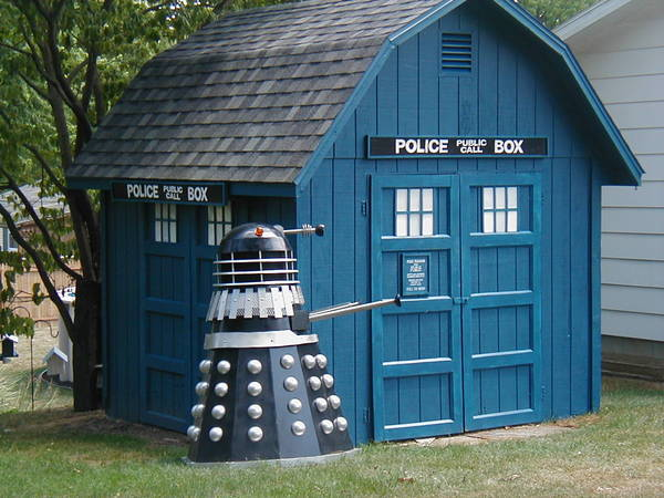 Backyard shed tardis boing boing - Britains craziest sheds competition ...