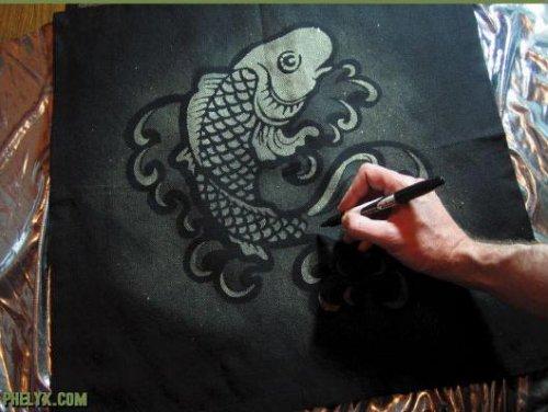Craft saturdays bleach stencil a t shirt scophy for How to bleach part of a shirt