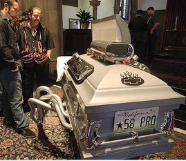 Hot-rodder buried in tricked-out coffin / Boing Boing