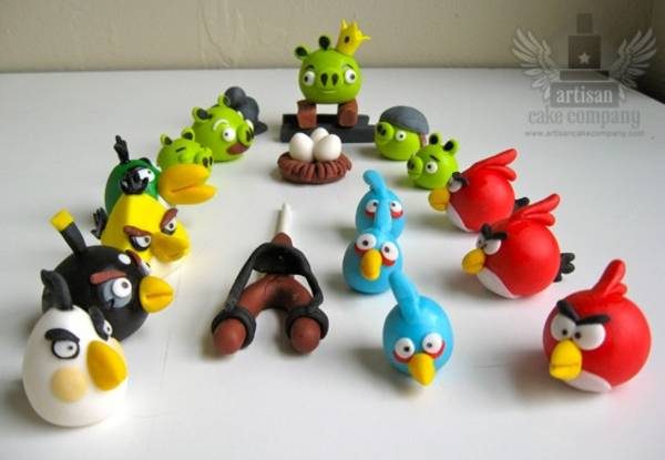 Edible angry birds cake toppers boing boing for Angry birds cake decoration