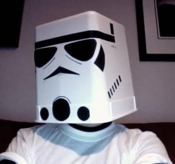 j-stormtrooper.jpg&key=86c48d3c2464b86a05f3a7675ad03d6cb8d4b46012125ccbab37e59a902b3701